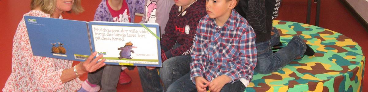 Oplæsning for børn på Gadehavebiblioteket