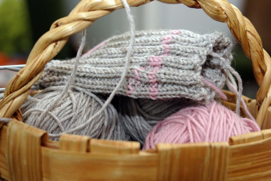 Kurv med strikketøj